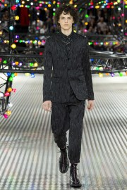 Dior Homme Spring 2017 Menswear Look 49