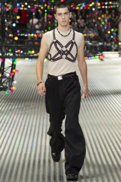 Dior Homme Spring 2017 Menswear Look 5