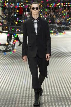 Dior Homme Spring 2017 Menswear Look 6