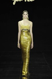 Guo Pei Fall 2016 Couture Look 22