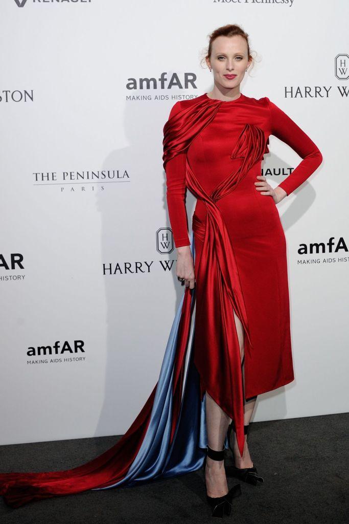 Karen Elson in Atelier Versace Fall 2016 Couture-1