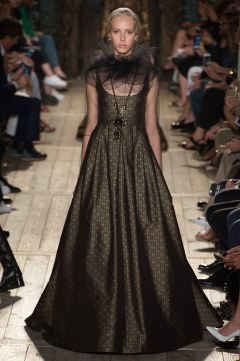 Valentino Fall 2016 Couture Look 33