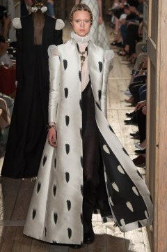 Valentino Fall 2016 Couture Look 45