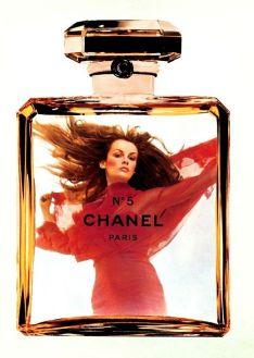 Jean Shrimpton Chanel No.5 1976
