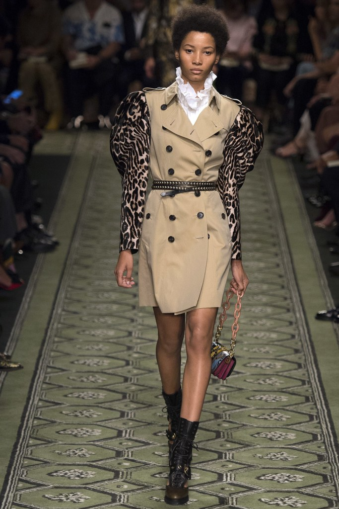 burberry-fall-2016-look-59