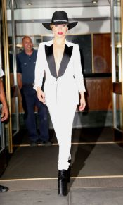 lady-gaga-in-tom-ford-1