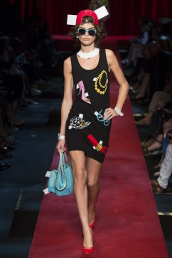 moschino-spring-2017-look-31