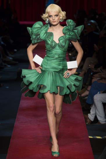 moschino-spring-2017-look-52