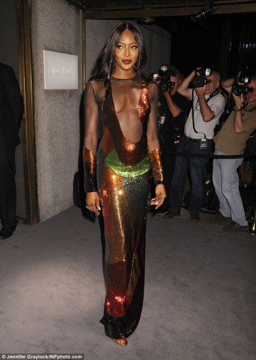 naomi-campbell-in-tom-ford-spring-2016-1