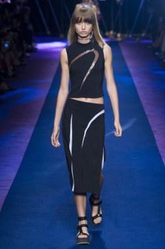 versace-spring-2017-look-19