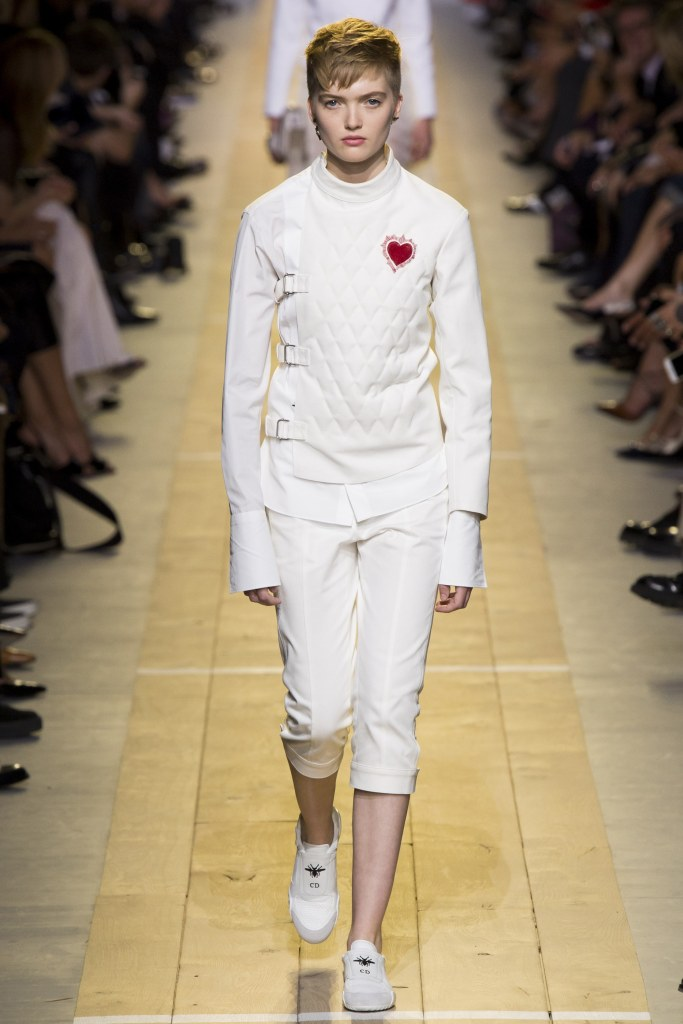 christian-dior-spring-2017-look-1
