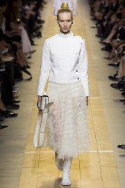 christian-dior-spring-2017-look-2