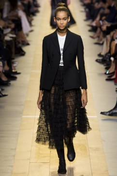 christian-dior-spring-2017-look-31