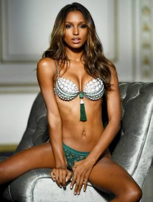 jasmine-tookes-2016-victorias-secret-fantasy-bra-2