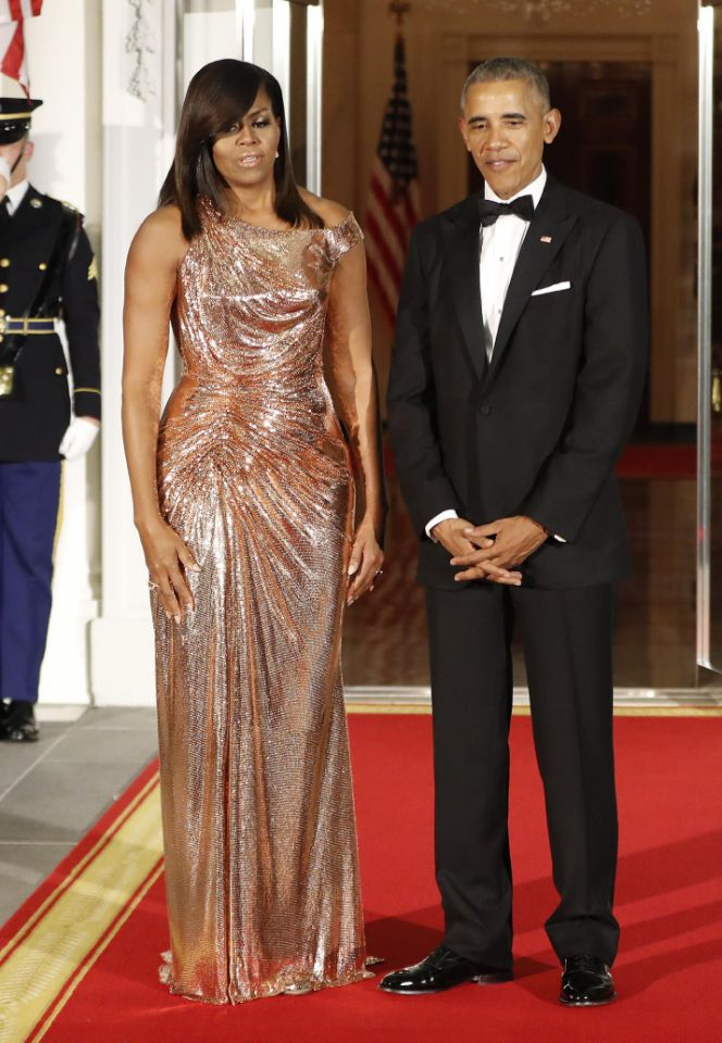 michelle-obama-in-atelier-versace