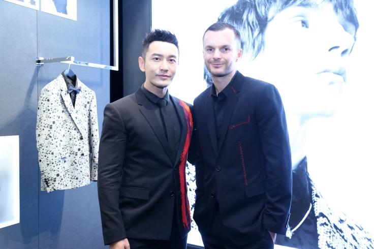 huang-xiao-ming-in-dior-homme-spring-2017-menswear-with-kris-van-assche