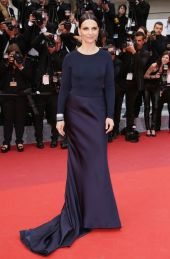 juliette-binoche-in-armani-prive