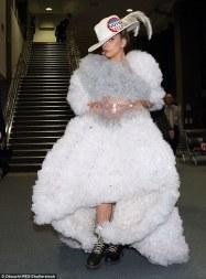 lady-gaga-in-tomo-koizumi-ballet-collection