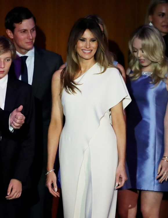 melania-trump-in-ralph-lauren-fall-2016-1