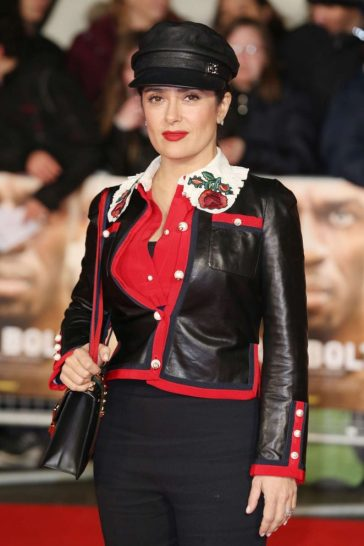 salma-hayek-in-gucci-resort-2017-1