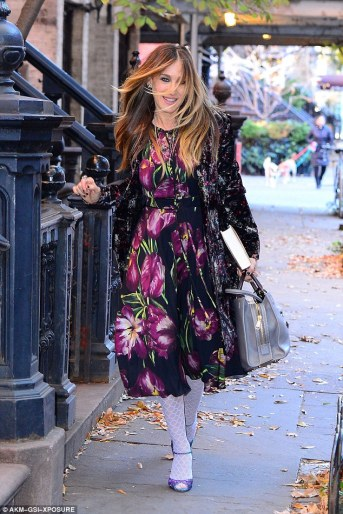 sarah-jessica-parker-in-dolce-gabbana-tulip-dress