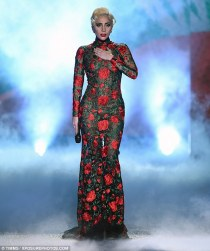lady-gaga-in-yolancris-fall-2016-2