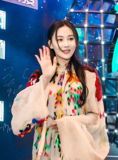 zhang-xinyu-in-chloe-fall-2016-1