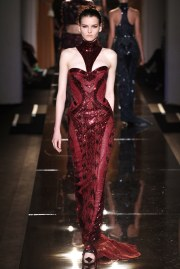 atelier-versace-fall-2013-couture-6