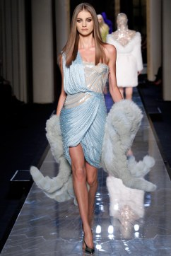 atelier-versace-spring-2014-couture-3