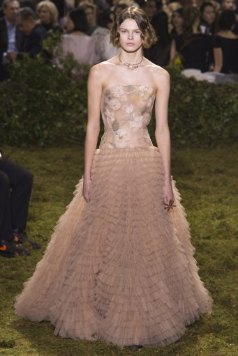 christian-dior-spring-2017-couture-1
