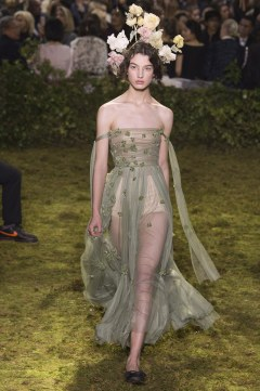 christian-dior-spring-2017-couture-look-32