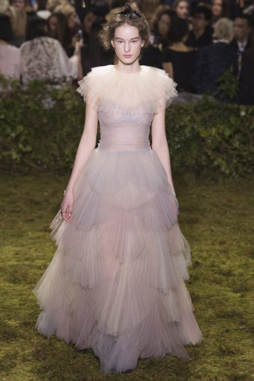 christian-dior-spring-2017-couture