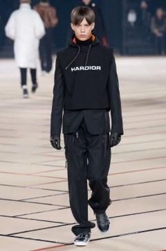 dior-homme-fall-2017-menswear-look-32