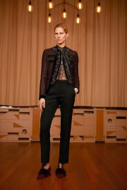 givenchy-pre-fall-2017-look-1
