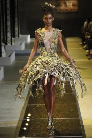 guo-pei-spring-2017-couture-look-3