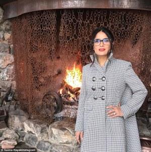 Salma Hayek in Alexander McQueen Resort 2017 -2017.1.27-
