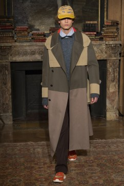 valentino-fall-2017-menswear-look-31