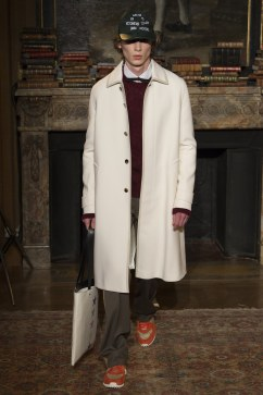 valentino-fall-2017-menswear-look-5
