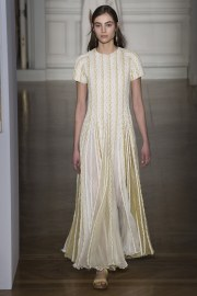 valentino-spring-2017-couture-look-10