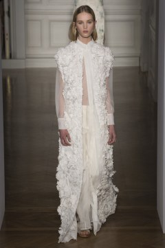 valentino-spring-2017-couture-look-19