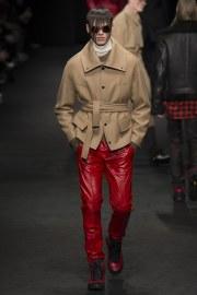 versace-fall-2017-menswear-look-16