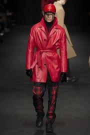 versace-fall-2017-menswear-look-17