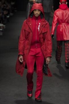 versace-fall-2017-menswear-look-18