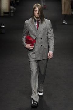 versace-fall-2017-menswear-look-19
