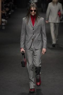 versace-fall-2017-menswear-look-20