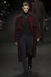 versace-fall-2017-menswear-look-3