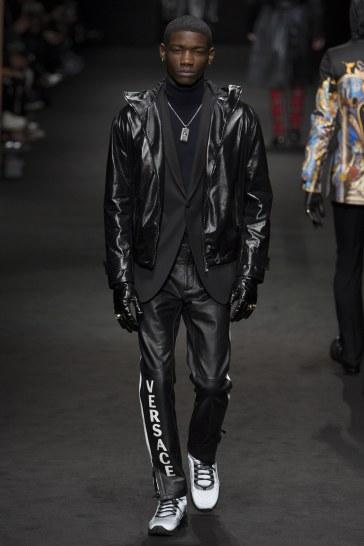 versace-fall-2017-menswear-look-38