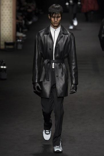 versace-fall-2017-menswear-look-39
