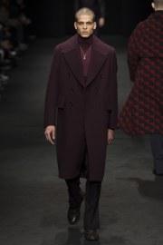 versace-fall-2017-menswear-look-4