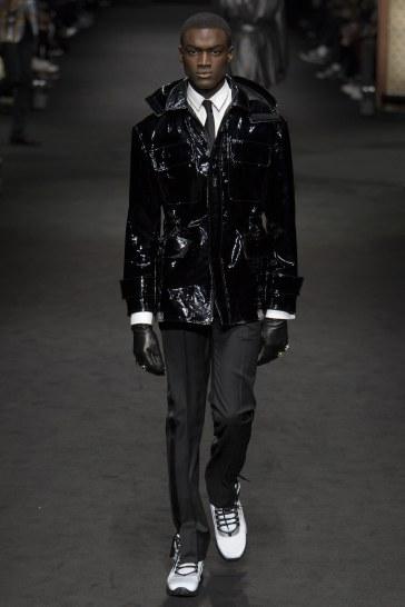 versace-fall-2017-menswear-look-40
